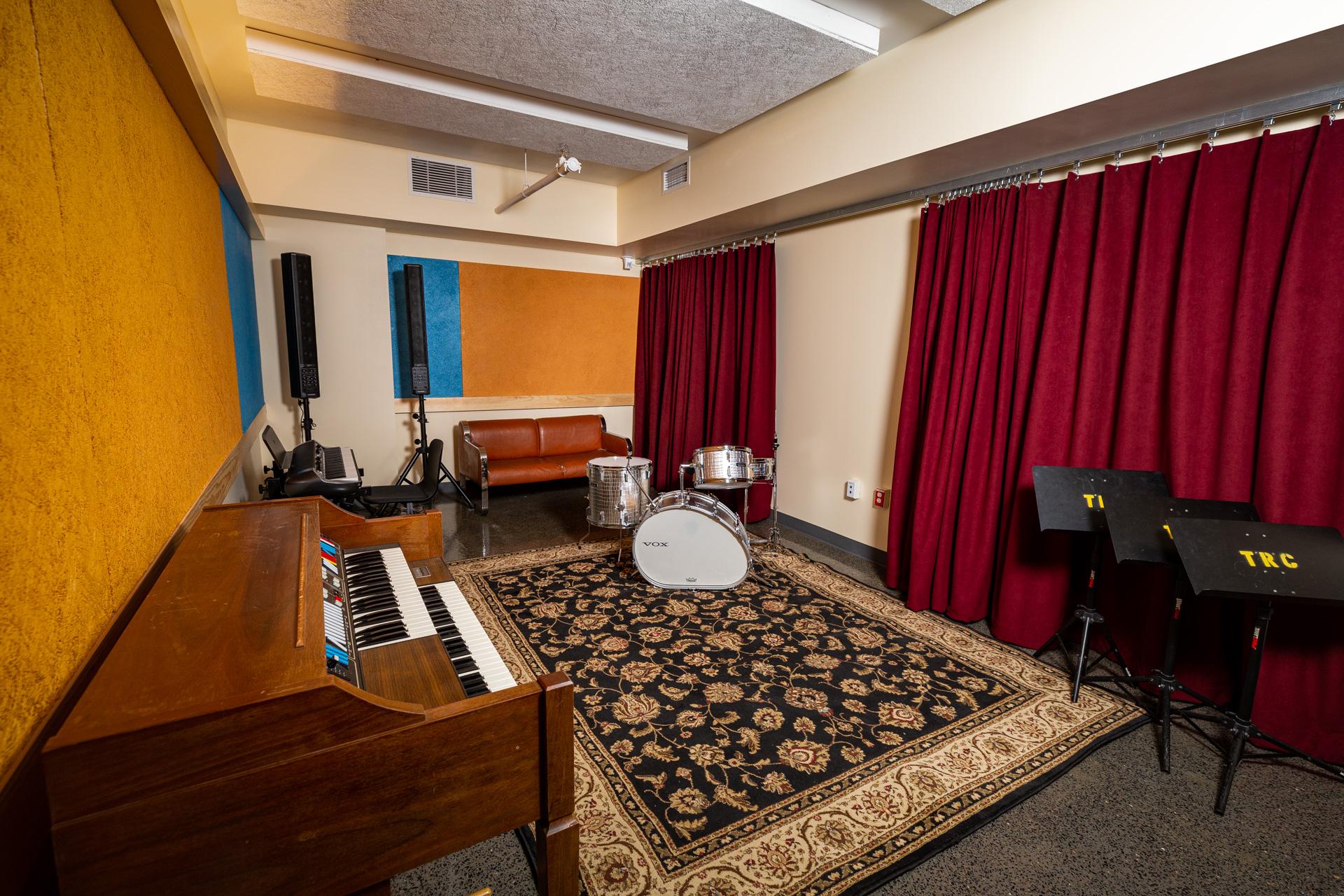Medium Rehearsal Room
